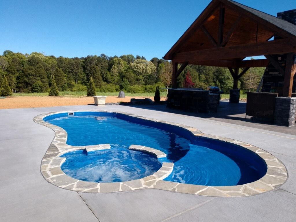Leisure Pools Allure Sapphire Blue NC 2020 0418 2.JPG